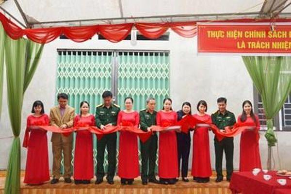 Bộ CHQS tỉnh Bắc Kạn: Bàn giao nhà tình nghĩa cho gia đình chính sách tại huyện Ngân Sơn