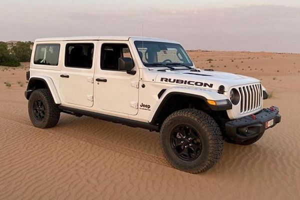 Ngắm bán tải Jeep Gladiator đầu tiên độ SUV Wrangler 3 hàng ghế