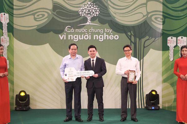 Đội bóng của Quang Hải ủng hộ 1 tỉ đồng cho Quỹ Vì người nghèo