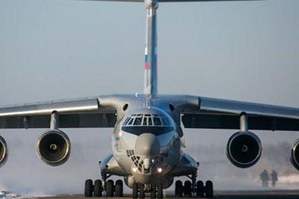 Il-76 cấp tốc đưa vũ khí phòng không tới Armenia