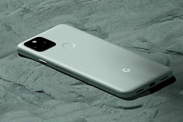 2040, kích thước iPhone sẽ lớn hơn MacBook với tốc độ tăng hiện tại