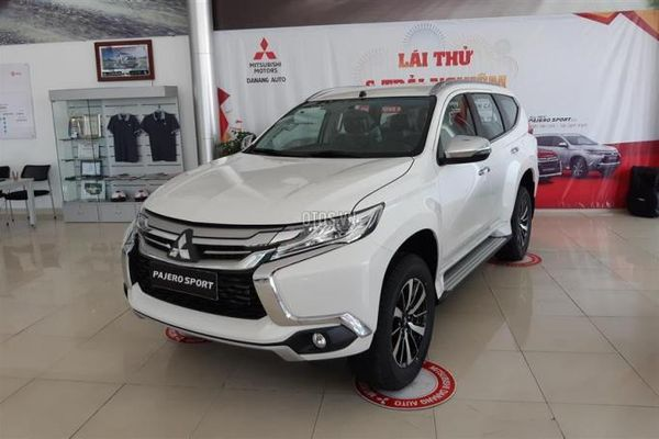 Xả hàng Mitsubishi Pajero Sport giảm tới 250 triệu đồng