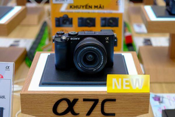 Cận cảnh máy ảnh full-frame Alpha 7C của Sony tại VN: Điểm nhấn ở thiết kế nhỏ, gọn
