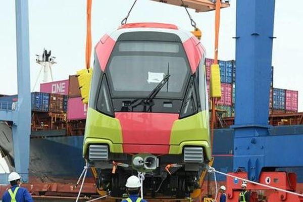 Đoàn tàu đầu tiên dự án metro Nhổn - Ga Hà Nội về đến Việt Nam