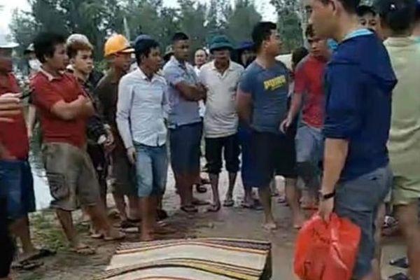 Thả lưới đánh cá trên sông, kinh hãi phát hiện thi thể bé trai