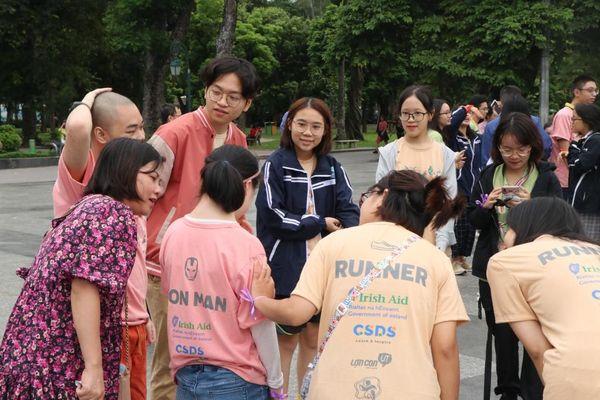 Alice In Runnerland: Hoạt động ý nghĩa dành cho trẻ em khuyết tật trên địa bàn TP Hà Nội