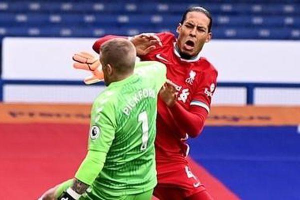 Chính thức: Virgil van Dijk chấn thương nặng, nghỉ gần hết mùa giải
