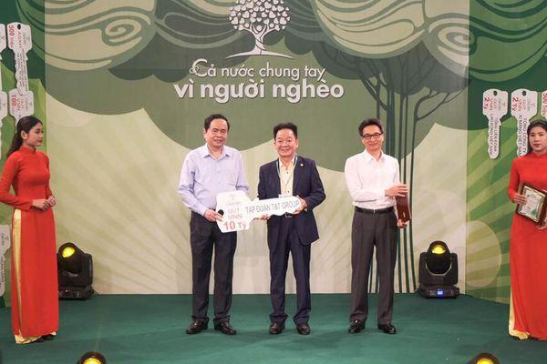 Hà Nội FC và Tập đoàn T&T ủng hộ hơn 30 tỷ đồng cho Quỹ Vì người nghèo