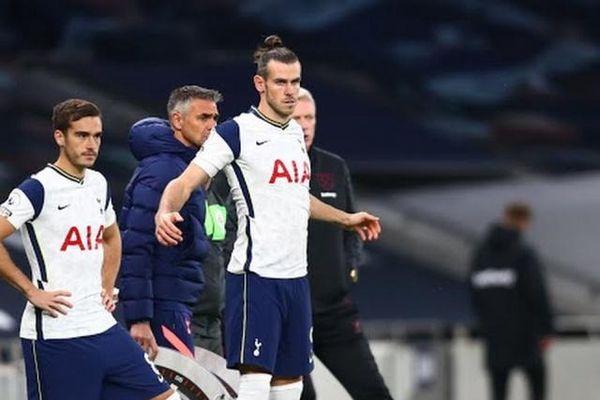 Tottenham bị cầm hòa 'khó tin' trong ngày Bale tái xuất
