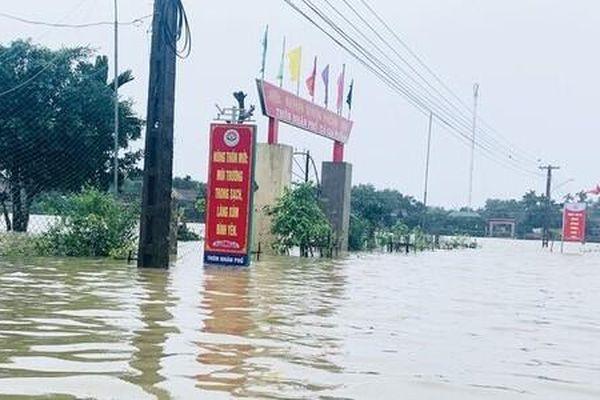 Nhiều trường ở Nghệ An cho học sinh nghỉ học từ hôm nay vì mưa lũ