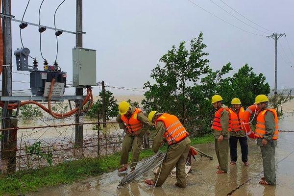 PC Hà Tĩnh: Trực 100% quân số ứng phó với bão lũ
