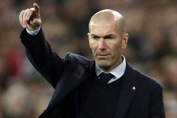 HLV Zidane không hài lòng với thái độ của học trò