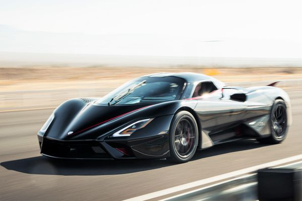 Siêu xe thương mại đầu tiên đạt được tốc độ 532,93 km/h