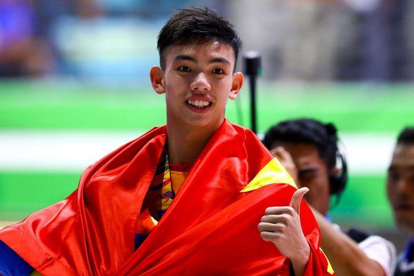 Huy Hoàng thắng kỷ lục gia Quý Phước