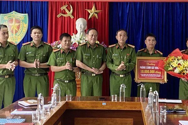 Khen thưởng đột xuất Phòng Cảnh sát Kinh tế CATP Đà Nẵng