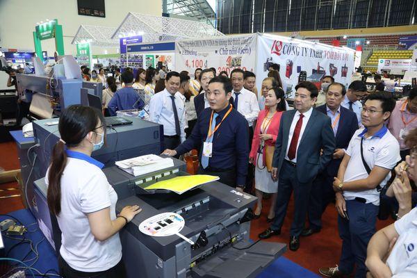 Hơn 180 gian hàng trưng bày Triển lãm Quốc tế Thiết bị và Công nghệ Quảng cáo