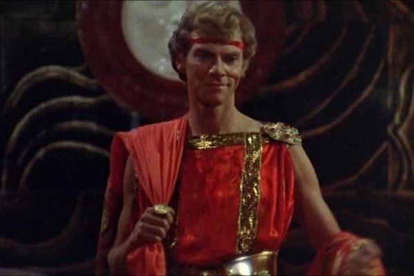 Vị hoàng đế tàn bạo, trụy lạc nhất lịch sử, biến cung điện thành nhà thổ để kiếm tiền
