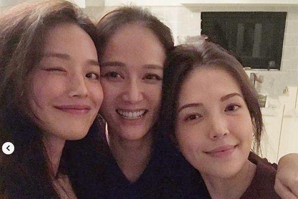 'Nữ thần không tuổi' Trần Kiều Ân bất ngờ lộ mặt mộc với dấu hiệu lão hóa, khác xa ảnh photoshop