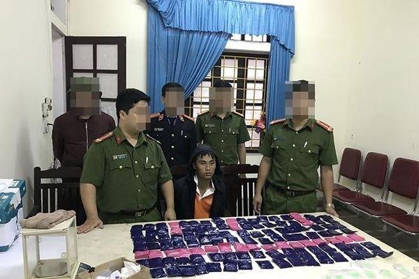 Nghệ An: Bắt hai anh em ruột mua bán trái phép 24.000 viên ma túy