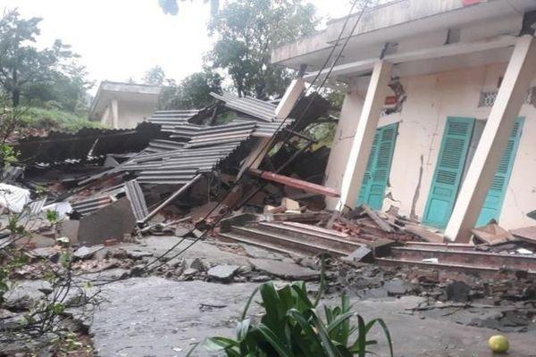Một quả đồi ở Quảng Bình bị sạt lở, nhiều quân nhân thoát chết