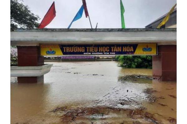 Quảng Bình hoãn đại hội Đảng bộ, dồn lực hỗ trợ người dân vùng ngập lụt