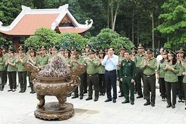 Cục Đối ngoại sinh hoạt chính trị tại Khu Di tích K9 - Đá Chông