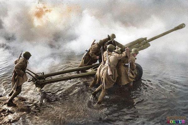 10 khoảnh khắc không thể quên về Thế chiến 2