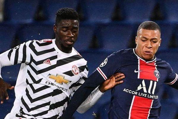 'Bỏ túi' Mbappe, trung vệ Axel Tuanzebe của Man Utd nhận lời khen đặc biệt