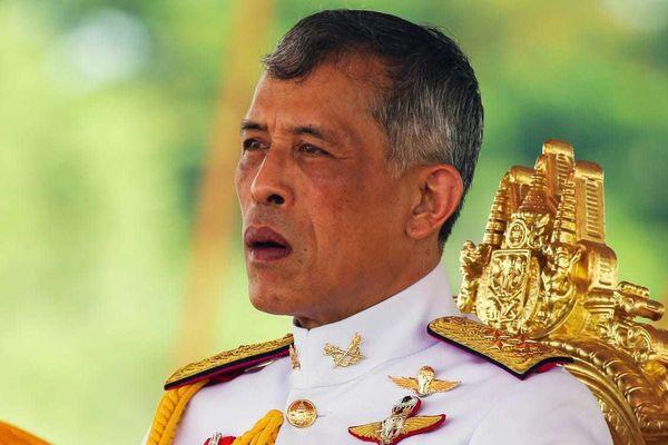 Vị vua nhận một lúc 40 tỷ USD và những tranh cãi về khối tài sản khổng lồ