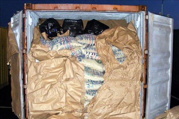 Tàu chiến Anh thu giữ 450 kg ma túy đá tại vùng biển Arab