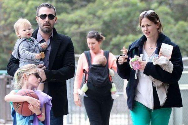 Gia đình Jennifer Garner từng khổ tâm vì cánh săn ảnh