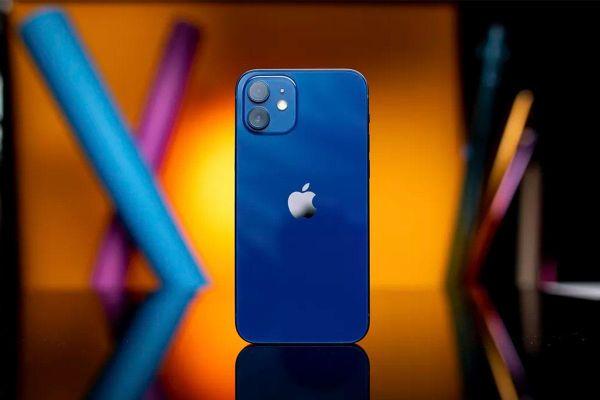 Những đánh giá đầu tiên về iPhone 12