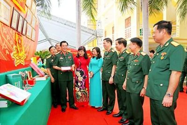 Vận dụng linh hoạt những bài học kinh nghiệm trong lãnh đạo xây dựng lực lượng vũ trang