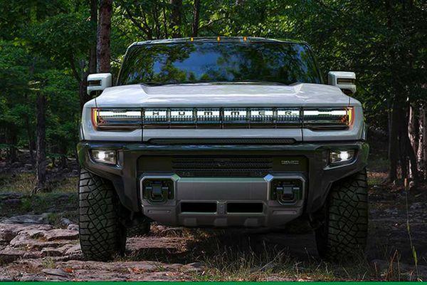 GMC Hummer EV 2022, bán tải 'ngang như cua' gần 100.000 USD
