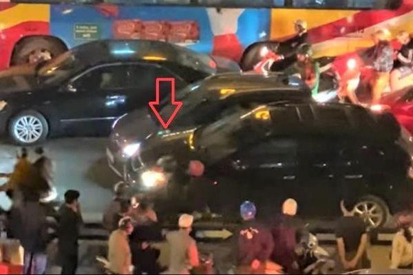 Vụ ôtô Vinfast Fadil và Lexus 350 rượt đuổi nhau như phim hành động: Tài xế là ai?