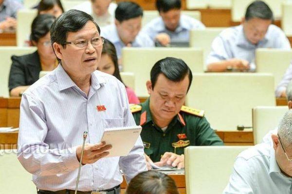 Đề nghị xử phạt hành chính hành vi xúc phạm Đảng kỳ