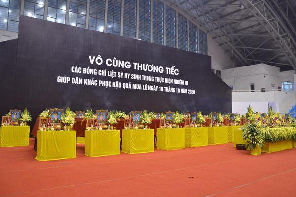 Lễ tang 22 chiến sĩ Đoàn 337 bị núi lở vùi lấp ở Quảng Trị