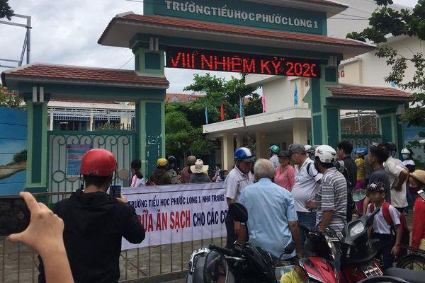 Về dấu hiệu 'bớt xén' phần ăn của học sinh ở Khánh Hòa: Tạm dừng tổ chức bán trú