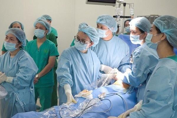Giải cứu hơn 50 thai nhi nhận 'án tử' khi nằm trong bụng mẹ