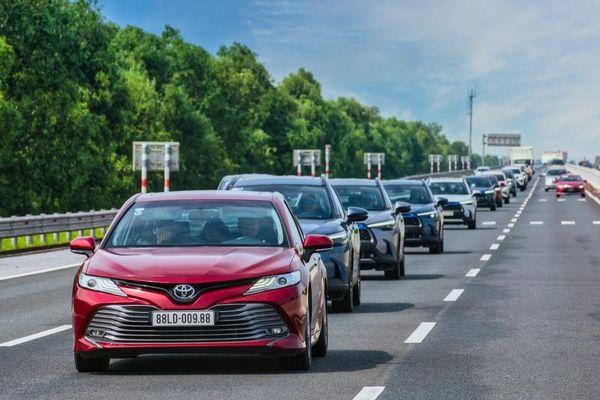 Thử thách 15 chiếc xe trong hành trình trải nghiệm Toyota SUV 'Đậm chất sống'