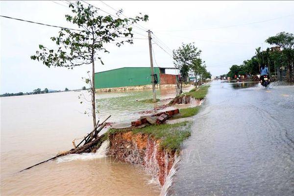 Hệ thống đường giao thông nông thôn Hà Tĩnh sạt lở nghiêm trọng sau lũ lụt