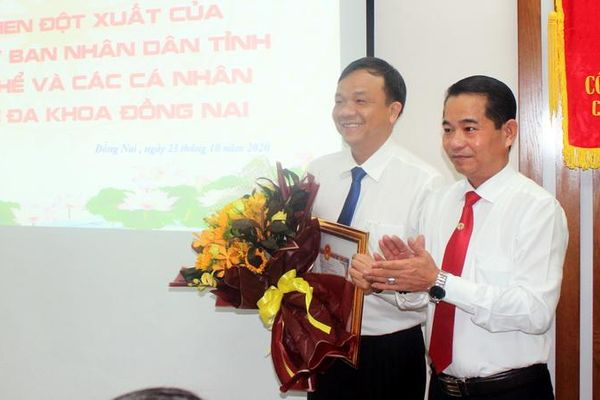UBND tỉnh khen thưởng đột xuất Bệnh viện Đa khoa Đồng Nai