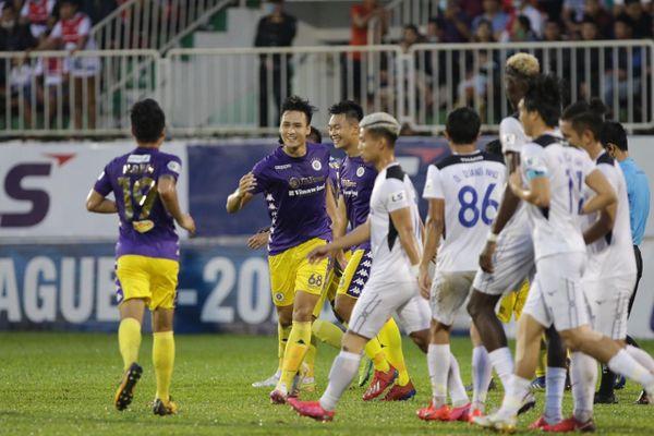 Bầu Đức cho dưỡng sức cầu thủ, chờ đánh bại Sài Gòn FC