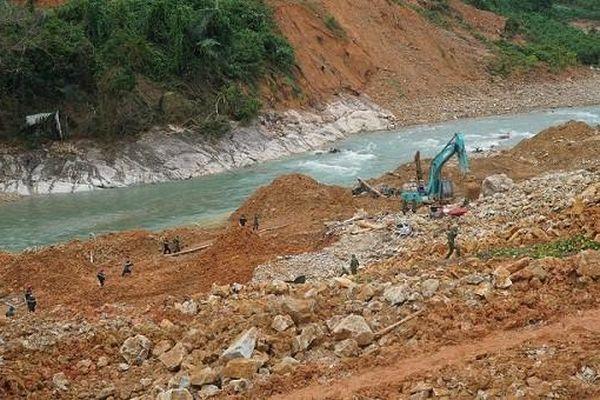 Tìm thấy thi thể thứ 5 tại khu vực sạt lở thủy điện Rào Trăng 3