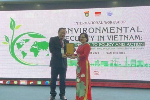 An toàn môi trường ở Việt Nam: từ lý thuyết đến chính sách và thực tiễn