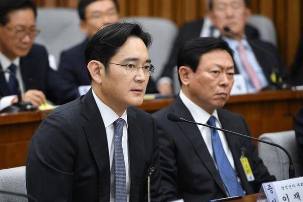 Người chèo lái Samsung sau sự ra đi của chủ tịch Lee Kun Hee
