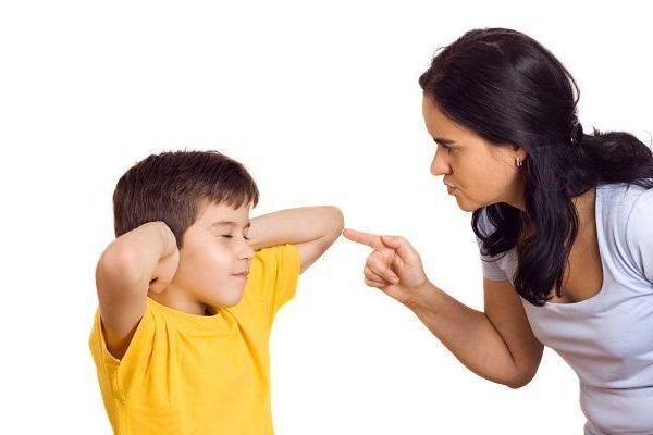 Khi trẻ bỗng dưng chống đối cha mẹ...