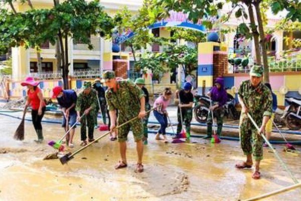 Kịp thời giúp dân khắc phục hậu quả mưa lũ