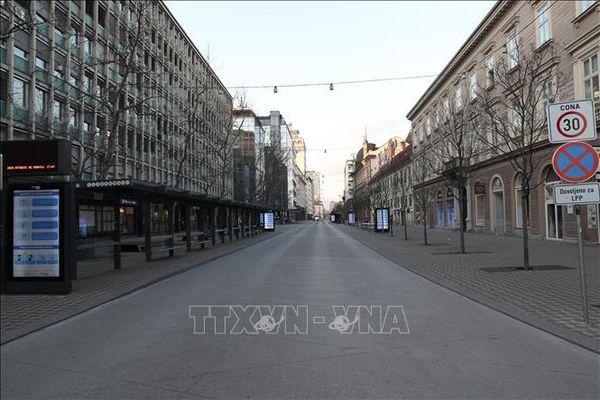Dịch COVID-19 diễn biến phức tạp, Slovenia đóng cửa biên giới với Italy