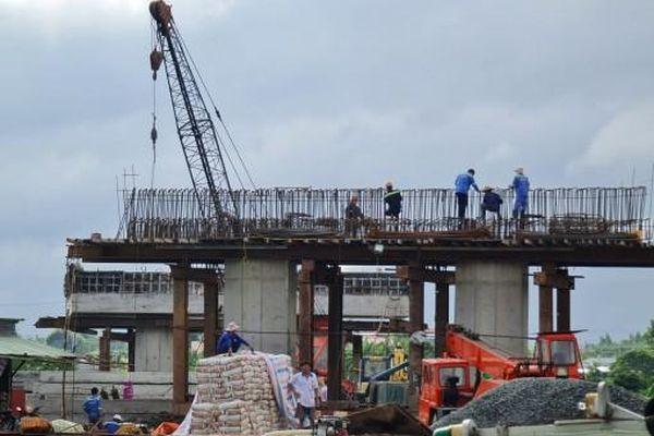 Nỗ lực thi công 'nước rút' công trình đường tỉnh 922